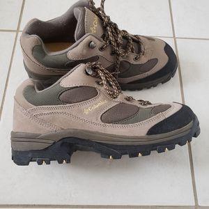 EUC Women's columbia razor ridge hiking shoe boot